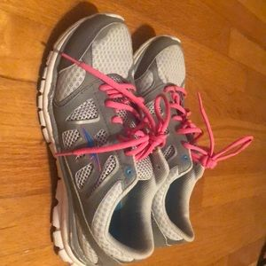 Avia Tennis Shoes